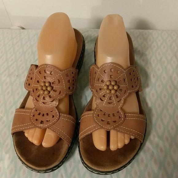 e9f549028ee0 Clarks Shoes - Beautiful Clarks sandals sz 10 narrow